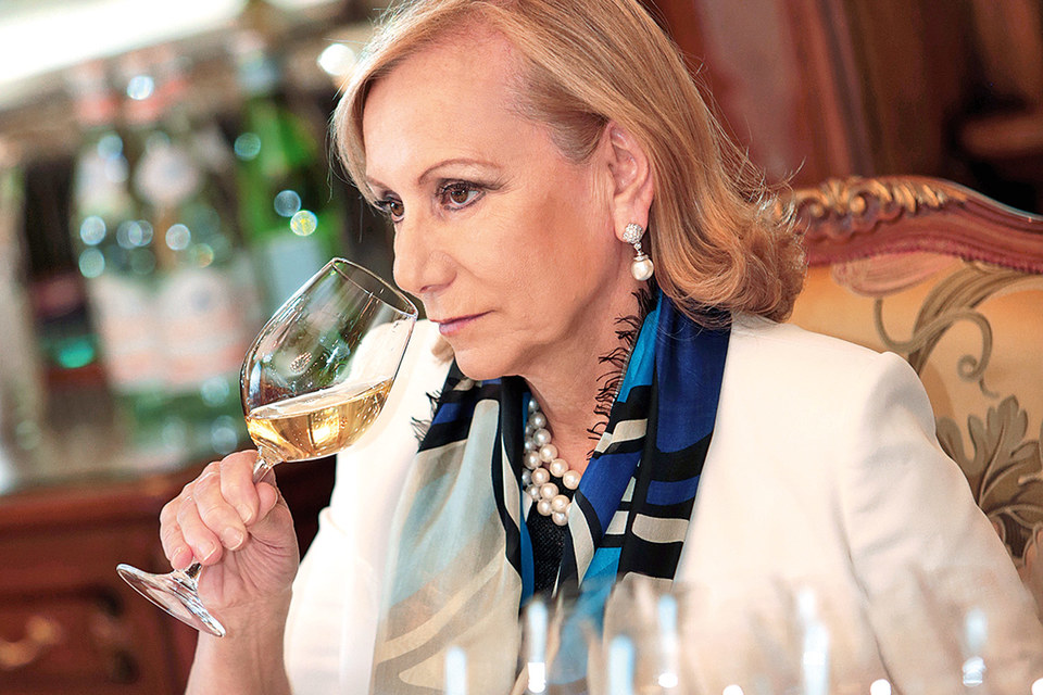 «Я уже 32 года занимаюсь этим и по-прежнему испытываю восторг», - совладелица компании Allegrini Марилиза Аллегрини рассказывает о том, что заставило ее променять медицину на виноделие