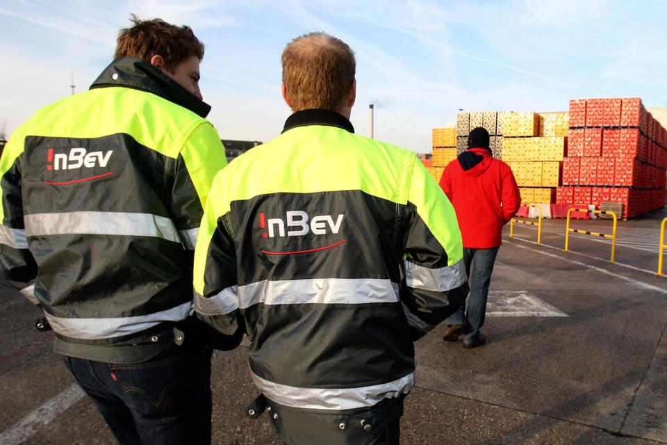 AB InBev наращивает продажи своих премиальных брендов