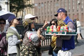 По данным Ростуризма, в первой половине 2015 г. Россию посетило на 51,6% больше китайских туристов, чем годом ранее