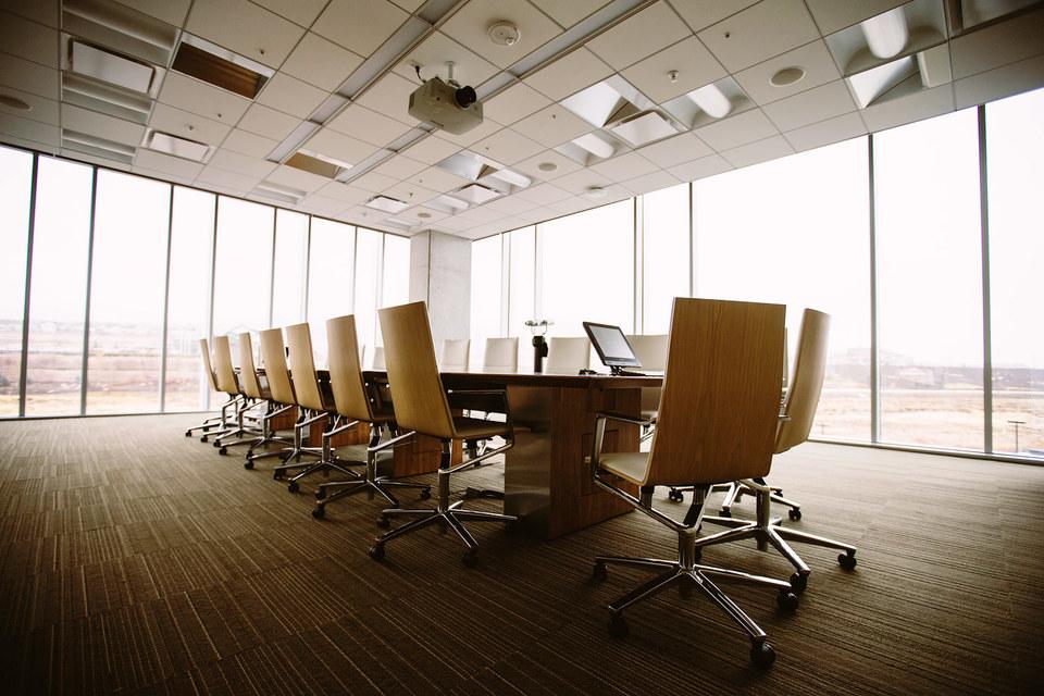 С развитием технологий прослойка среднего руководства теряет всякую значимость