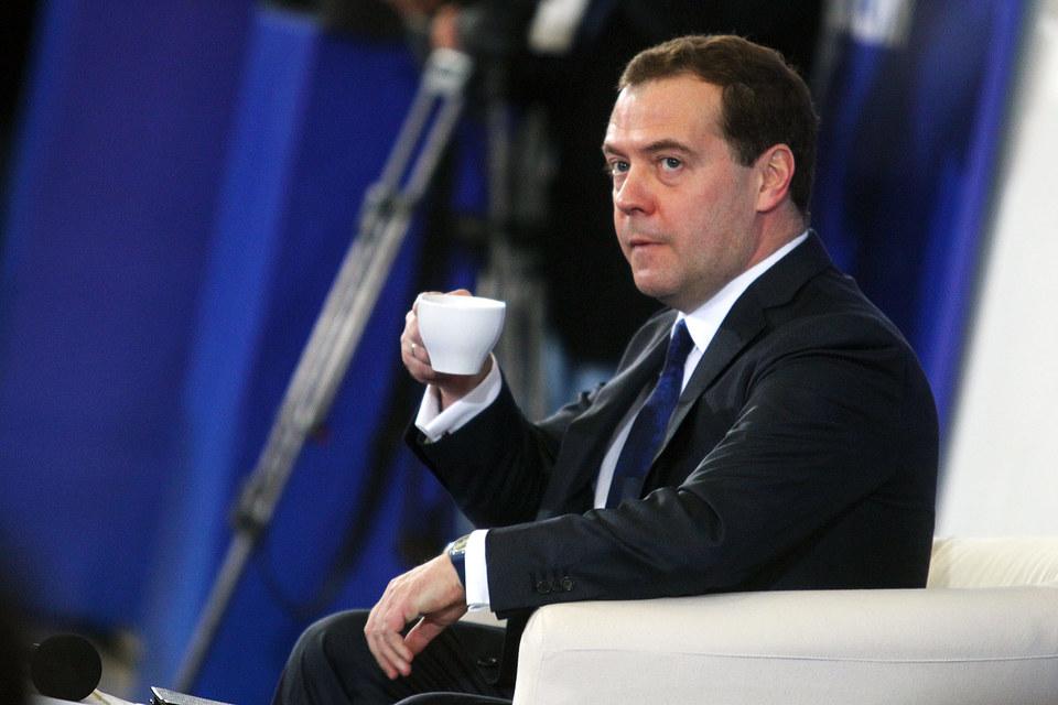 Премьер Дмитрий Медведев нашел виноватых в невыполнении антикризисного плана