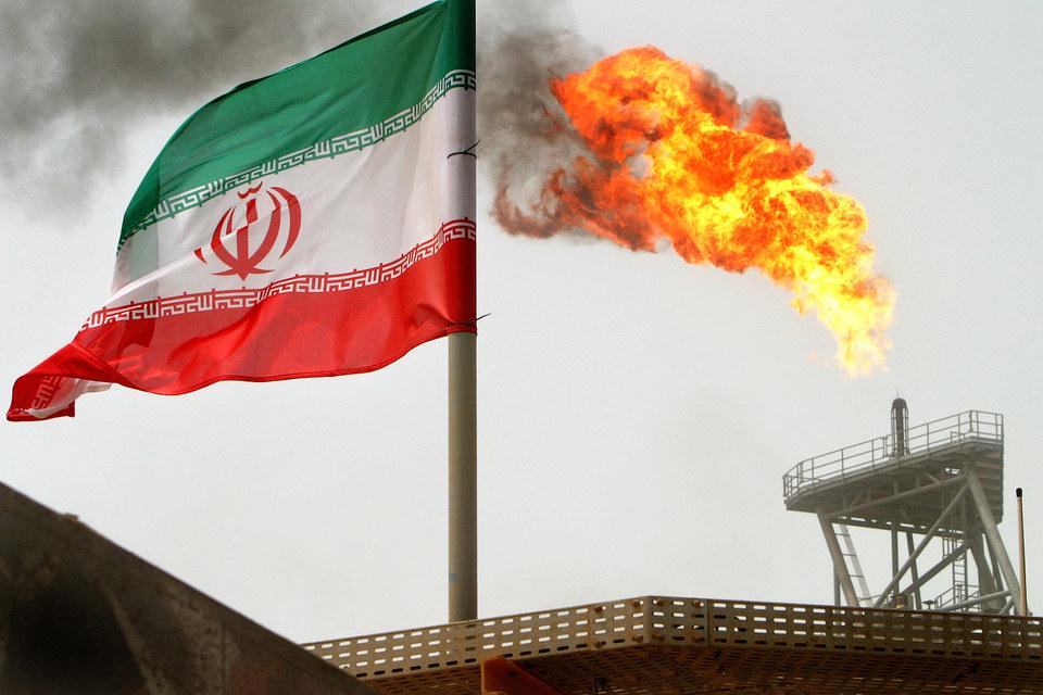 Иранская нефть манит российские компании