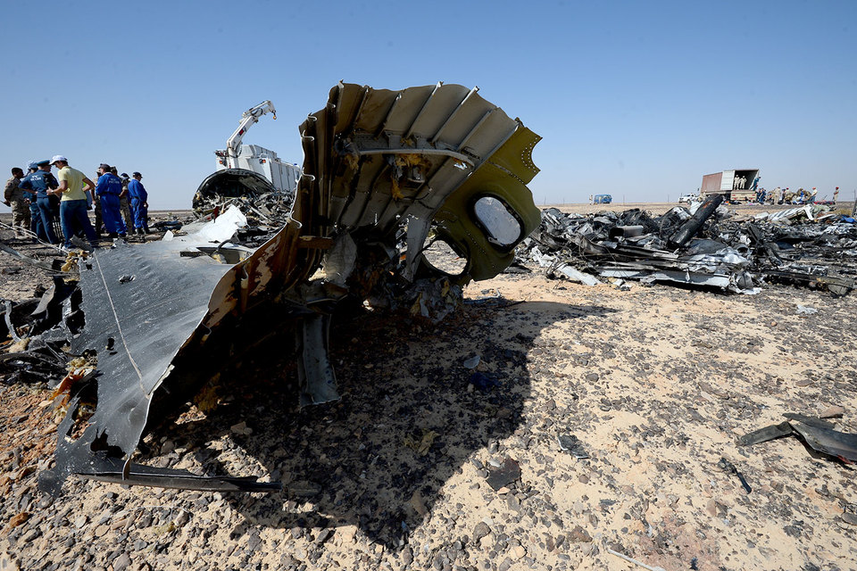 Разведки США и Великобритании изучают версию о взрыве бомбы на борту А321