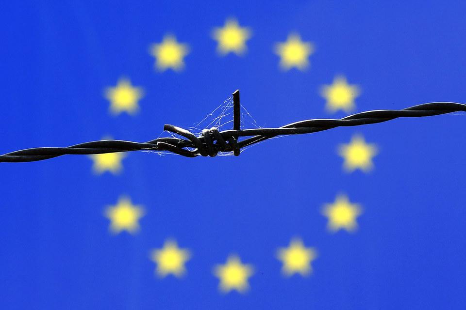 Лидеры ЕС хотят продлить санкции против России