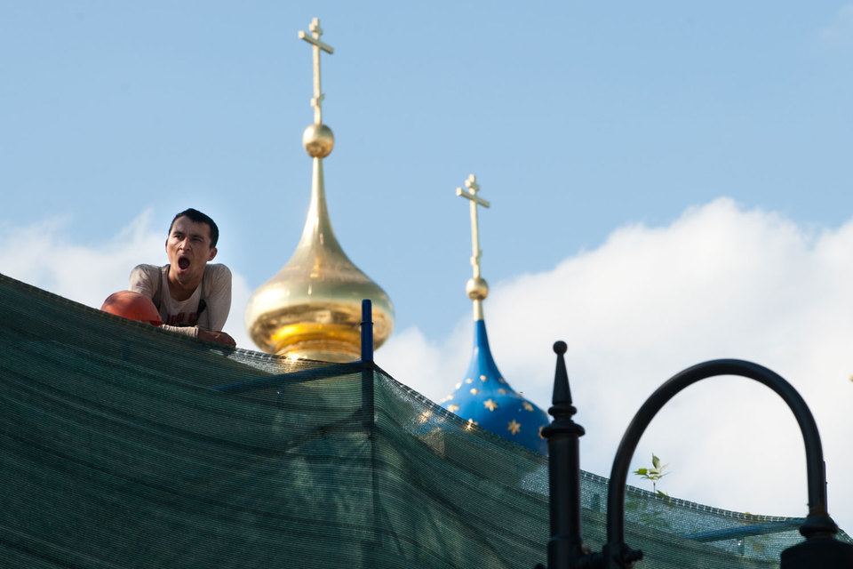 С 2012 г., когда наказание за нарушения миграционного режима ужесточили для жителей столичных регионов, число выдворенных из России иностранцев выросло более чем в 4 раза