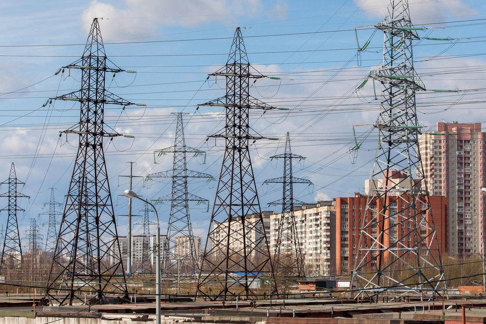 Город объединит свои сетевые компании с «Ленэнерго»