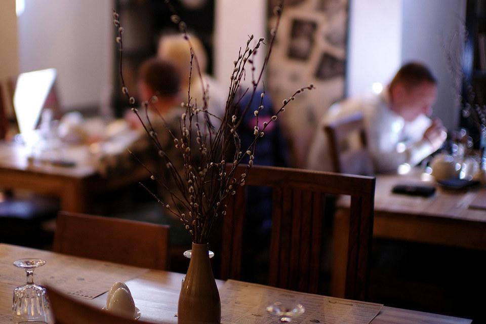 В декабре 2012 г. Шнуровы совместно с фермерским кооперативом LavkaLavka открыли ресторан «Кококо» на 70 мест