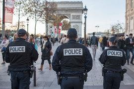 В ночь на понедельник во Франции прошло более 150 рейдов силовиков