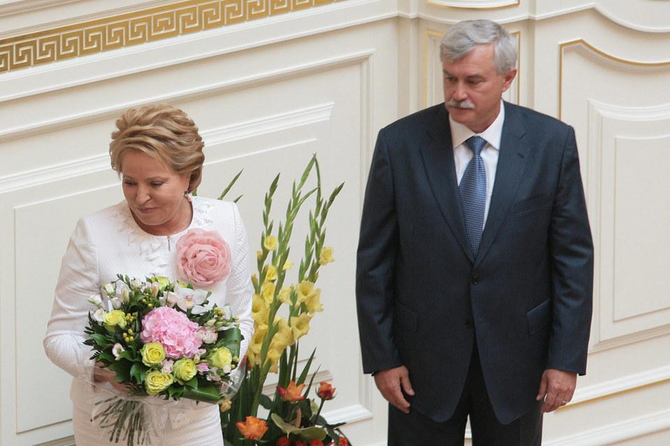 Концессионное соглашение с НКК было заключено при Валентине Матвиенко. В 2012 г. администрация Георгия Полтавченко расторгла договор