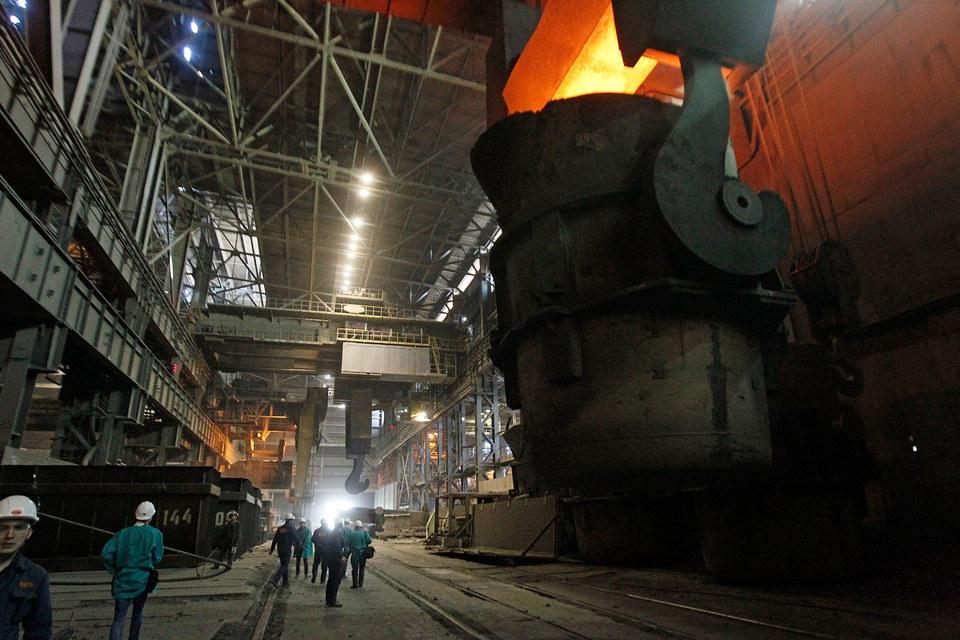 Продукция отечественных металлургов дешевеет и выручка падает