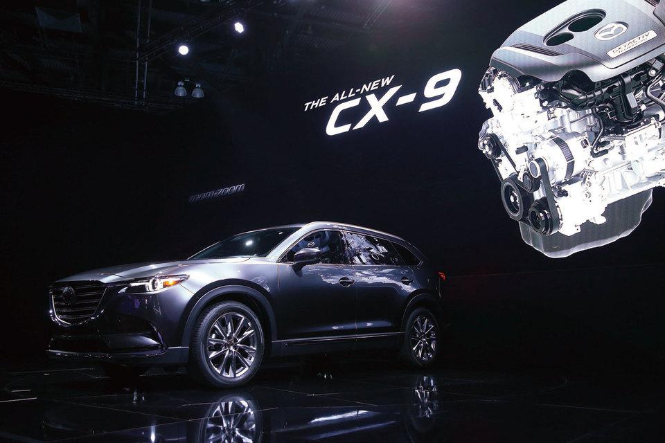 Основным рынком кроссовера Mazda CX-9 станет Северная Америка, где Mazda ожидает продать 80% из годового выпуска 50 000 единиц, другими рынками станут Россия, Ближний Восток и Австралия