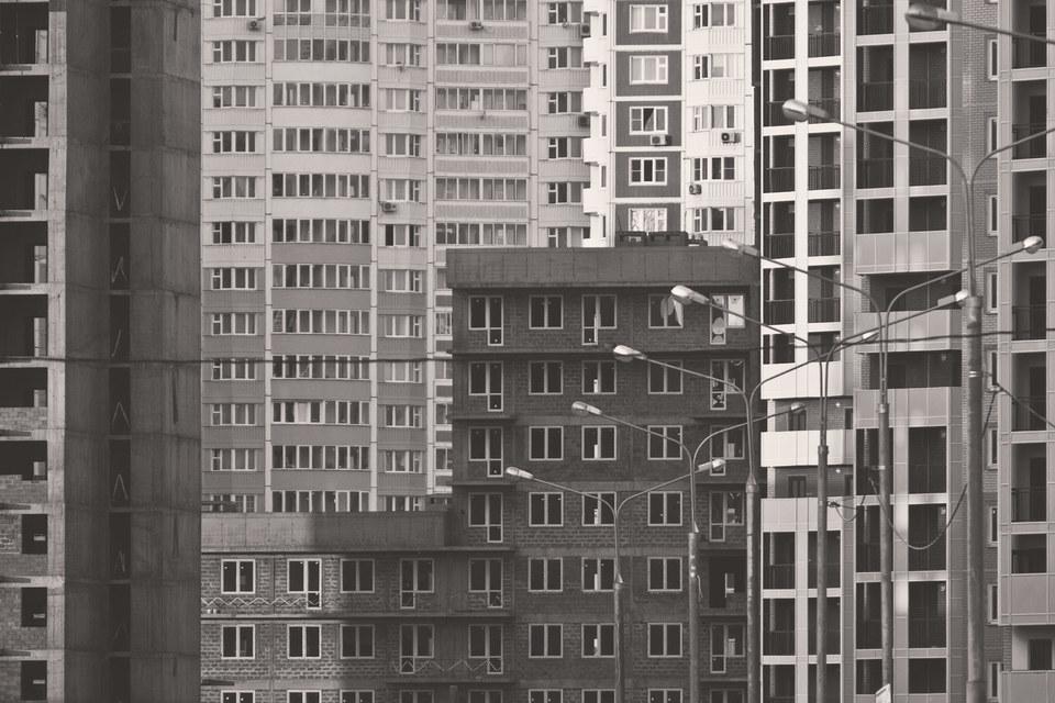 В России строится очень маленькое жилье. С 2005 г. средний размер новых квартир снизился почти на 10%