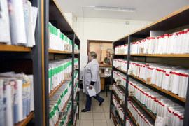 Некассовые платежи больше распространены в государственных клиниках