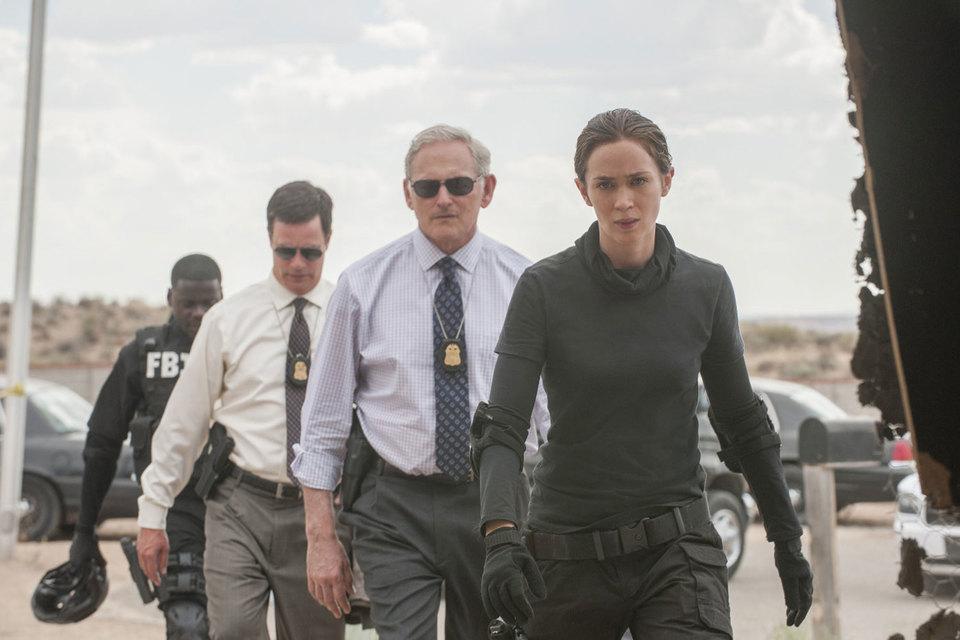 У героини Эмили Блант решительный вид, но она самый уязвимый персонаж фильма