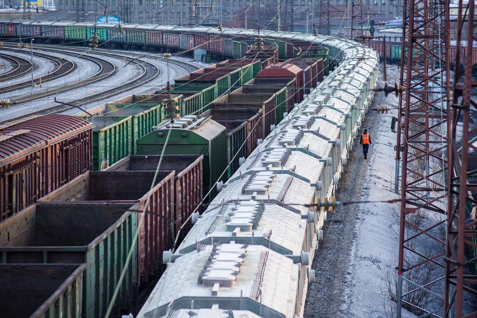 РЖД продолжает отслеживать уровень транспортной составляющей в цене перевозимых грузов, говорит представитель монополии