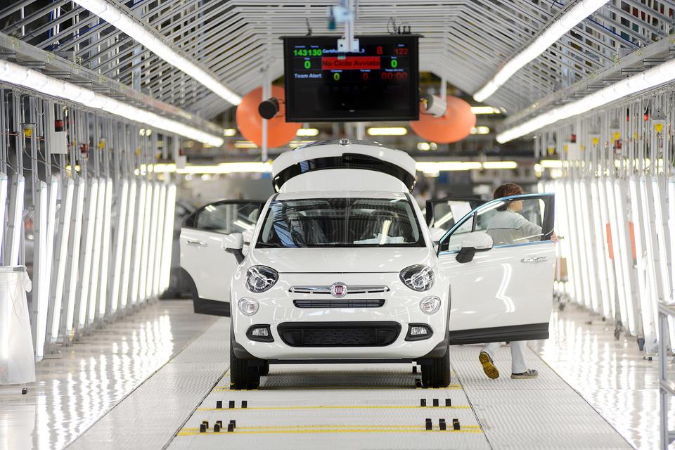 В США спрос на автомобили Fiat Chrysler приближается к рекордному уровню