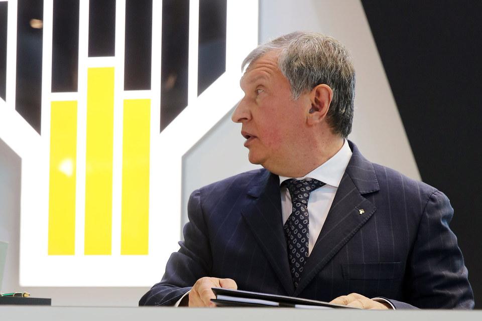 По словам Сечина, роста цен на нефть не стоит ждать раньше второй половины 2017 г.