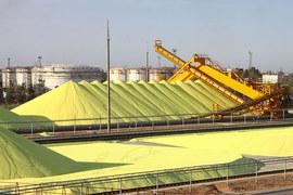 «Газпром сера» не выполняет контрактные обязательства по поставкам серы на завод «Фосагро», заявляет холдинг