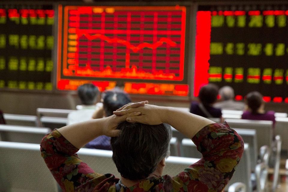 Масштабные усилия китайских властей помогли остановить падение на фондовом рынке