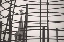 Сегодня Кремль ограничивается обещаниями найти и покарать террористов