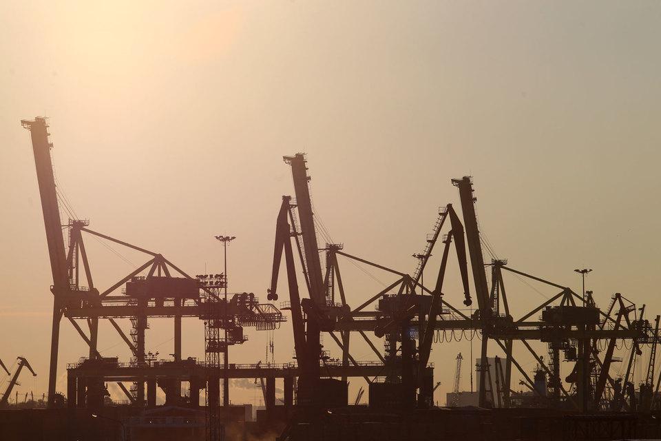 Докеры ОАО «Морской порт Санкт-Петербург» в конце прошлой недели остановили итальянскую забастовку, которая началась 30 октября