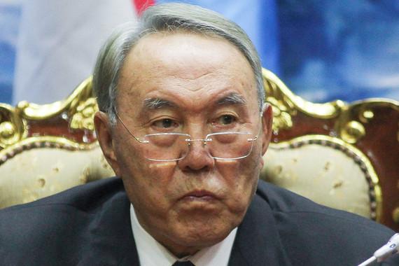 Назарбаев призвал сограждан жить по средствам и хранить сбережения в тенге