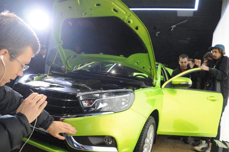«АвтоВАЗ» готовит новинки – Lada Vesta и Xray – к продажам в Европе