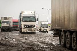 Росавтодор пообещал наказать протестующих дальнобойщиков