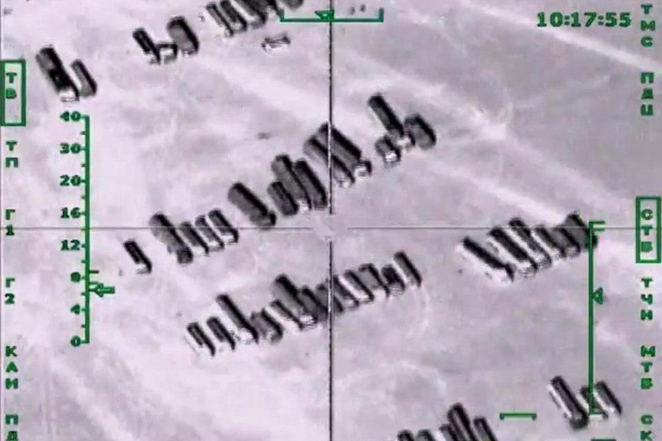 Колонны бензовозов, перевозящих нефтепродукты на территории Сирии (архивный кадр)