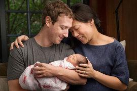 По словам Цукерберга, с появлением нового поколения в его семье он и его жена решили создать фонд Chan Zuckerberg Initiative