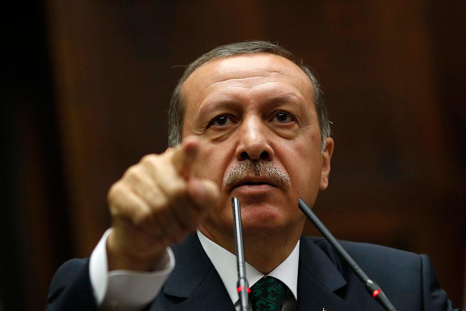 Эрдоган обвинил граждан России в торговле нефтью с ИГ