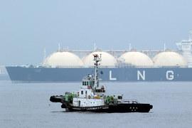 Вслед за нефтью стремительно дешевеет СПГ