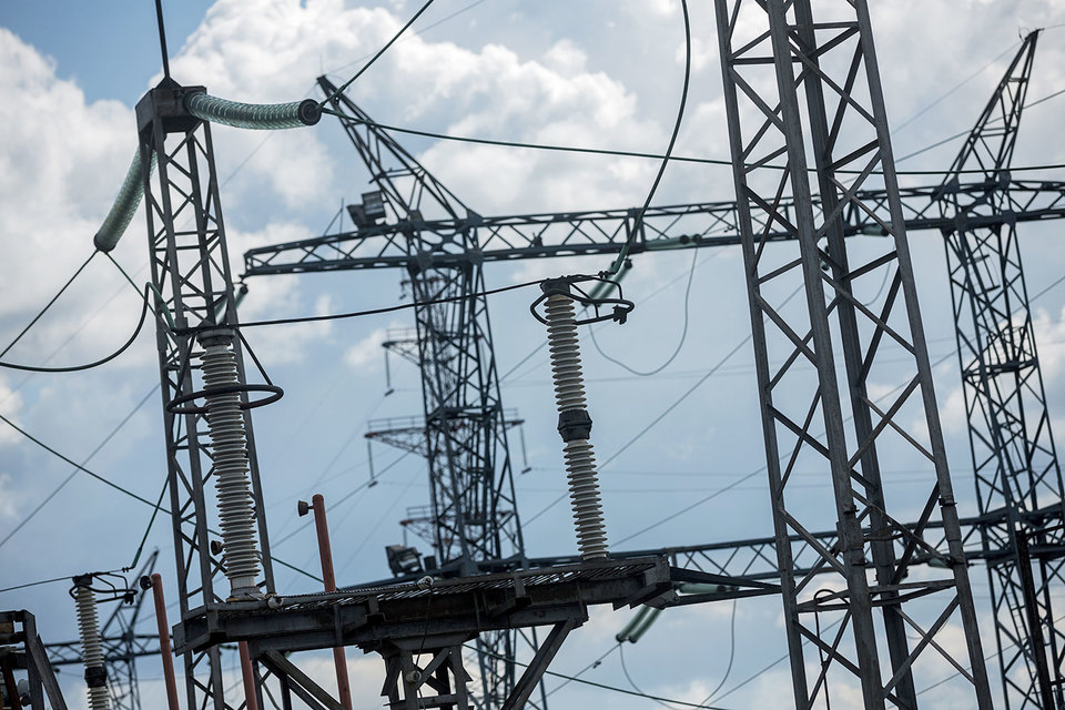 Электроэнергия в первой и второй ценовых зонах из-за поддержки Дальнего Востока может подорожать на 2%