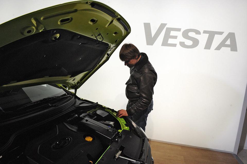 «АвтоВАЗ» надеется увеличить продажи Lada Vesta, включив ее в программу обновления парка