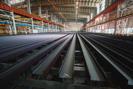 Вместо знаменитых 100-метровых рельсов «Мечел» на новом стане производит балку