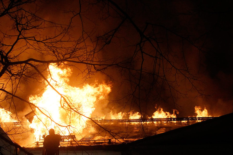 На момент возникновения пожара, в загоревшемся корпусе находилось 74 человека, из них 70 пациентов и 4 человека медицинского персонала