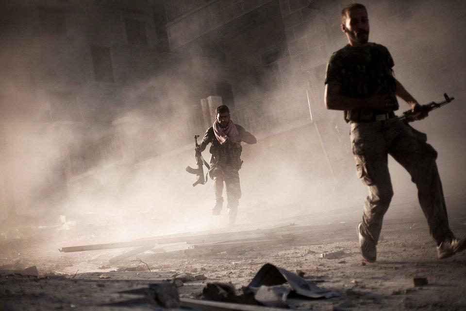 Представитель ДСС Талал Салу рассказал Reuters, что входящая в альянс и относящаяся к ССА группировка «Джайш аль-Тувар» получила косвенную выгоду от сотрудничества с российскими военными