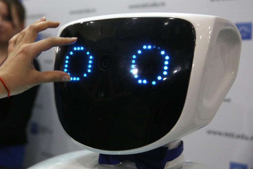 Коммерческие компании не раз пытались обеспечить свободный доступ к технологиям искусственного интеллекта (ИИ)