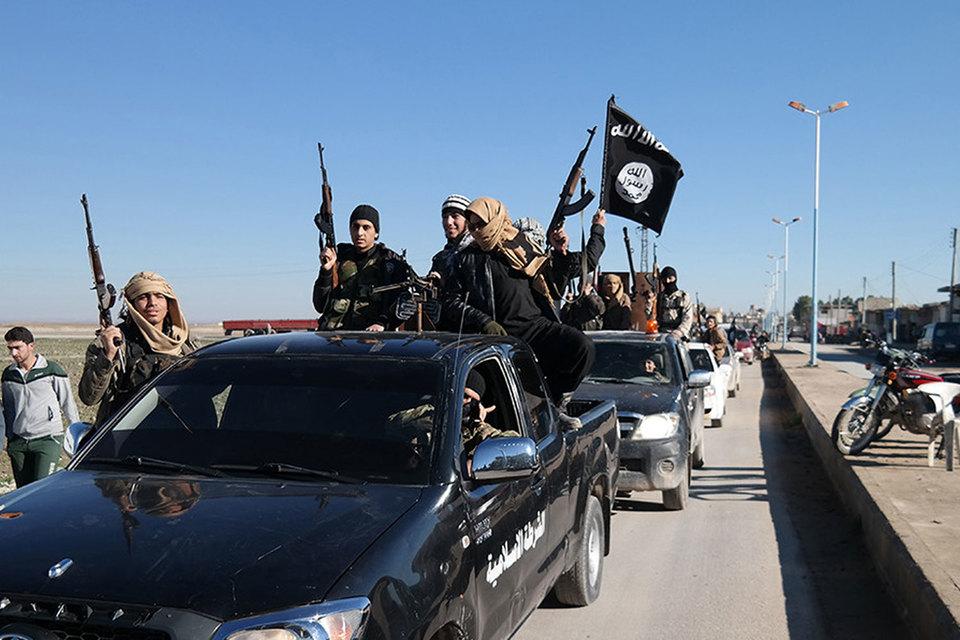 Специальные «трофейные» службы ИГ оценивают награбленное и выплачивают пятую часть боевикам, осуществившим рейд
