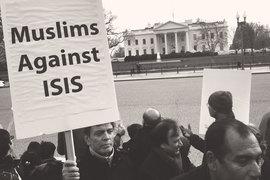 Надо отделить ислам от политизированных искажений, которыми пользуются исламисты и джихадисты, в том числе из запрещенного в России ИГИЛ