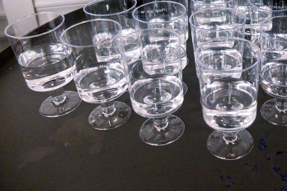 Конкурсный управляющий банкротящегося производителя водки «Ладога» Андрей Шутилов попросил суд признать недействительными несколько сделок группы и выплату акцизов