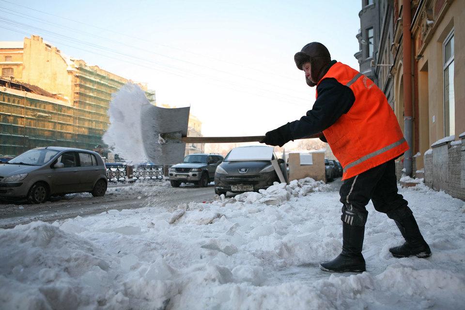 Претендентов на уборку улиц в Петербурге нашлось достаточно – на каждый из 10 конкурсов подано по две заявки