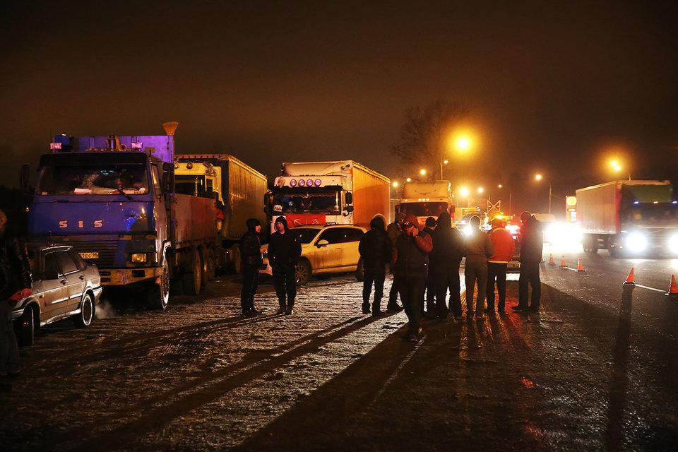 Запуск системы взимания платежей с грузовиков без предварительного тестирования вызвал массовые протесты дальнобойщиков по всей России