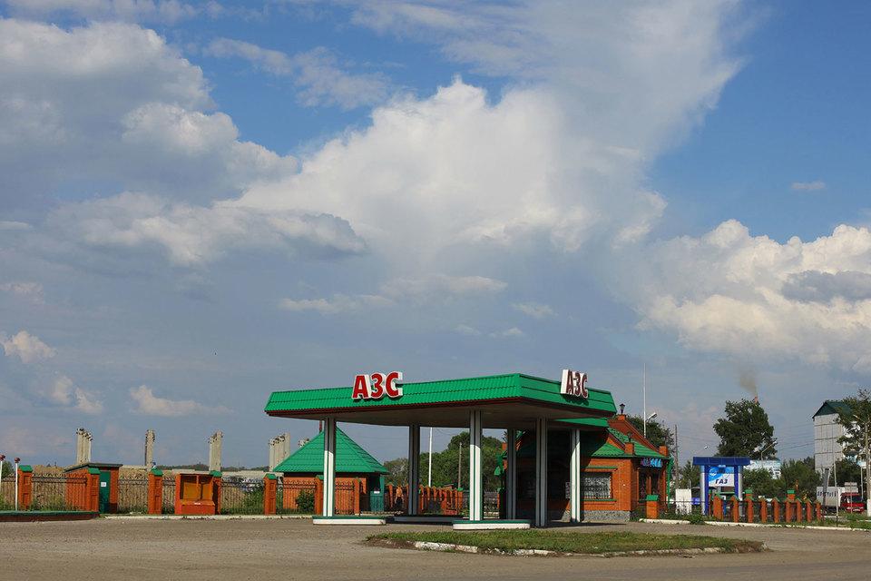 Алтайские заправщики не выдерживают конкуренции с нефтяными компаниями