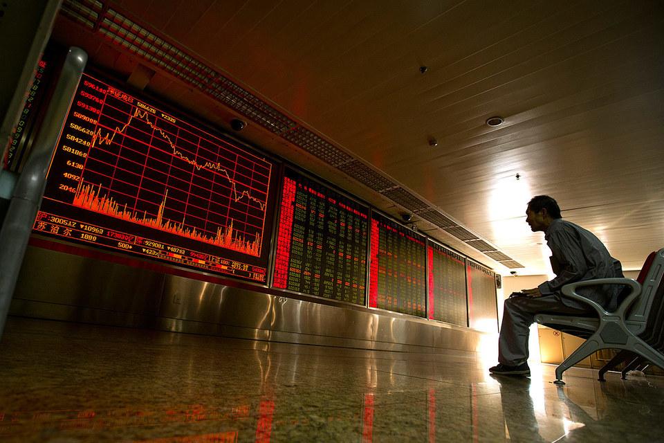 Проблемы на китайском фондовом рынке породили проблемы у его регуляторов