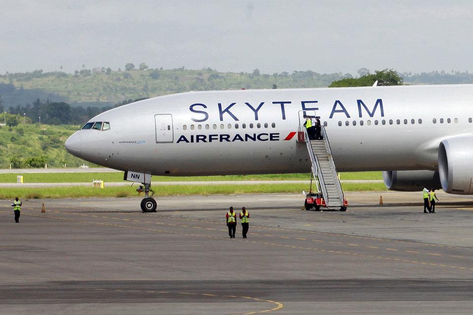На борту самолета авиакомпании Air France, взрывное устройство не обнаружено