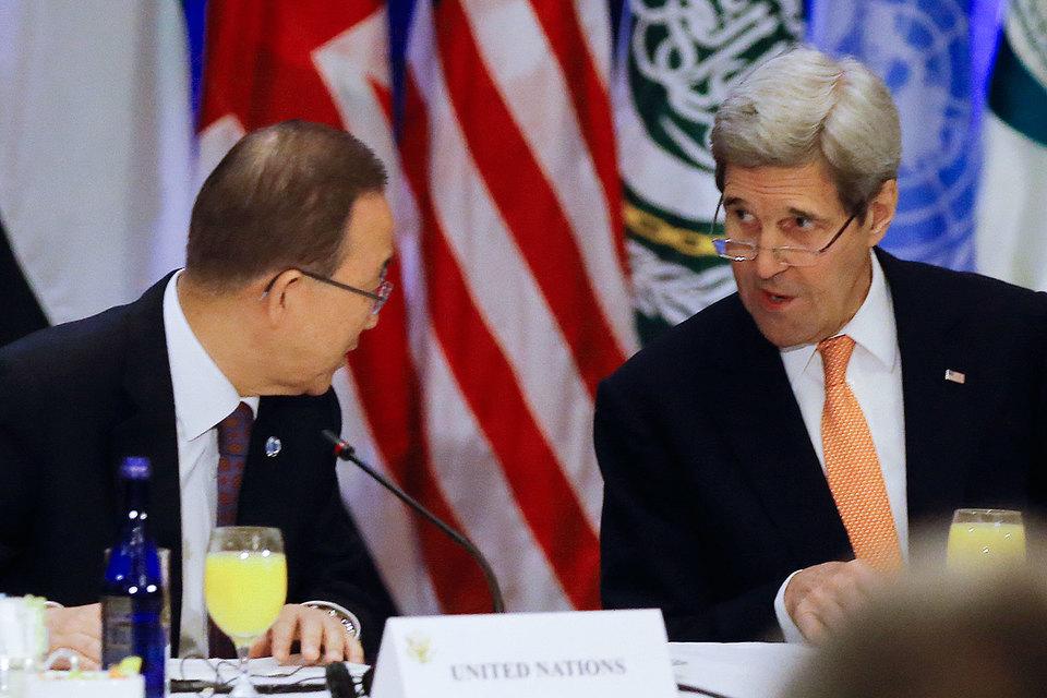 Генсек ООН Пан Ги Мун назвал резолюцию «успехом», а госсекретарь США Джон Керри сообщил, что режим прекращения огня может быть объявлен уже в январе