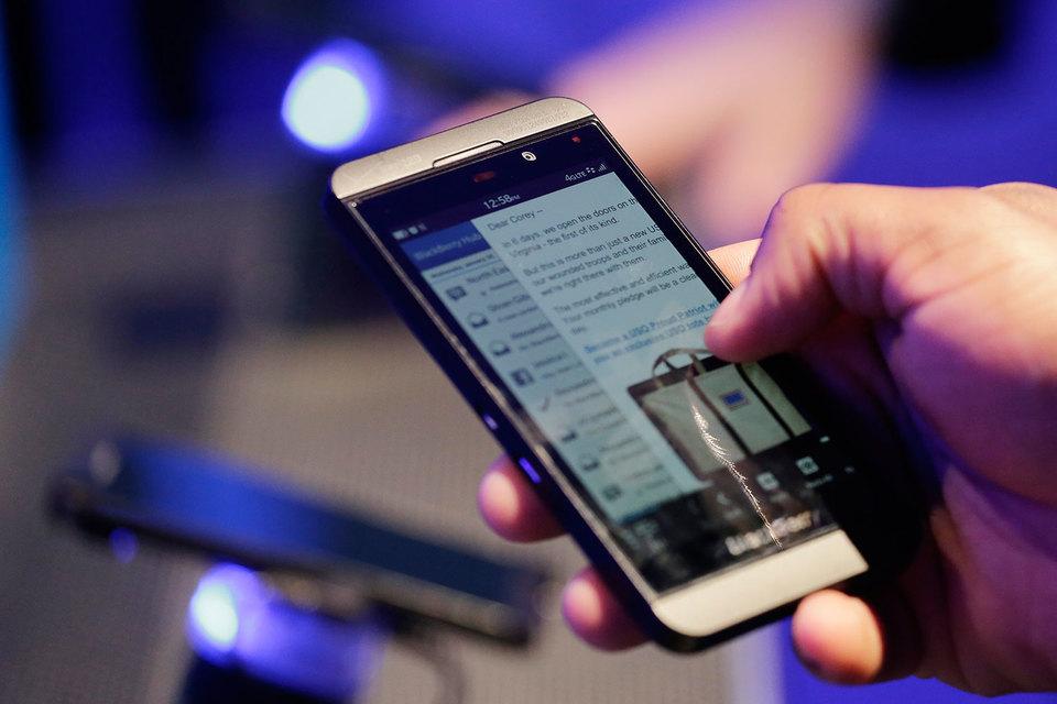 Квартальные убытки BlackBerry составили $15 млн, или 3 цента на акцию