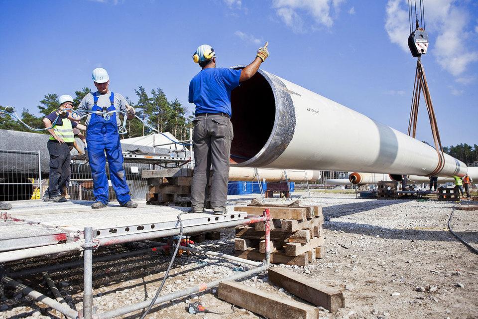 Проект «Северный поток – 2» предполагает строительство двух ниток газопровода мощностью 55 млрд куб. м газа в год из России в Германию по дну Балтийского моря