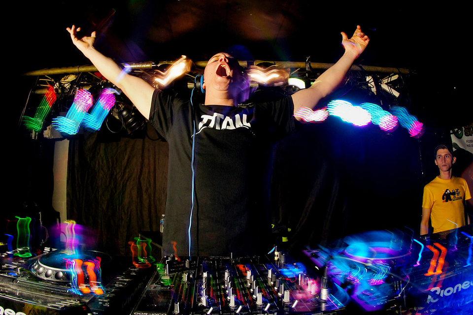 Smirnoff будет спонсировать электронные фестивали